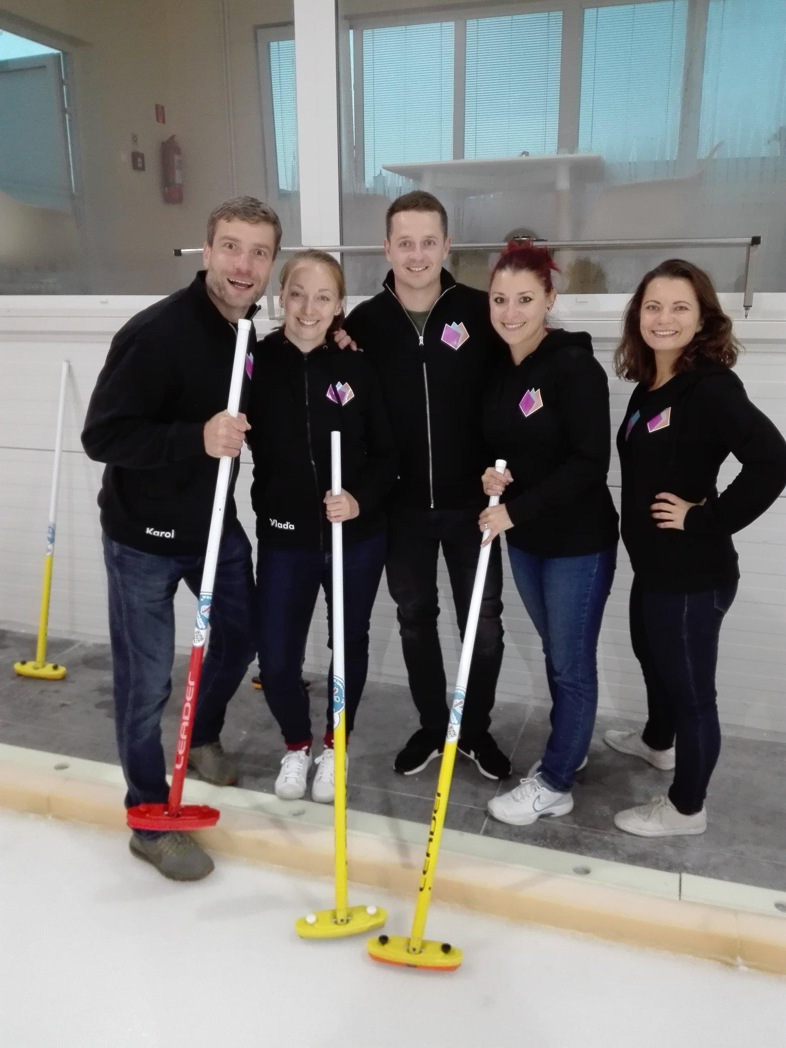 it company teambuilding - curling, tulip