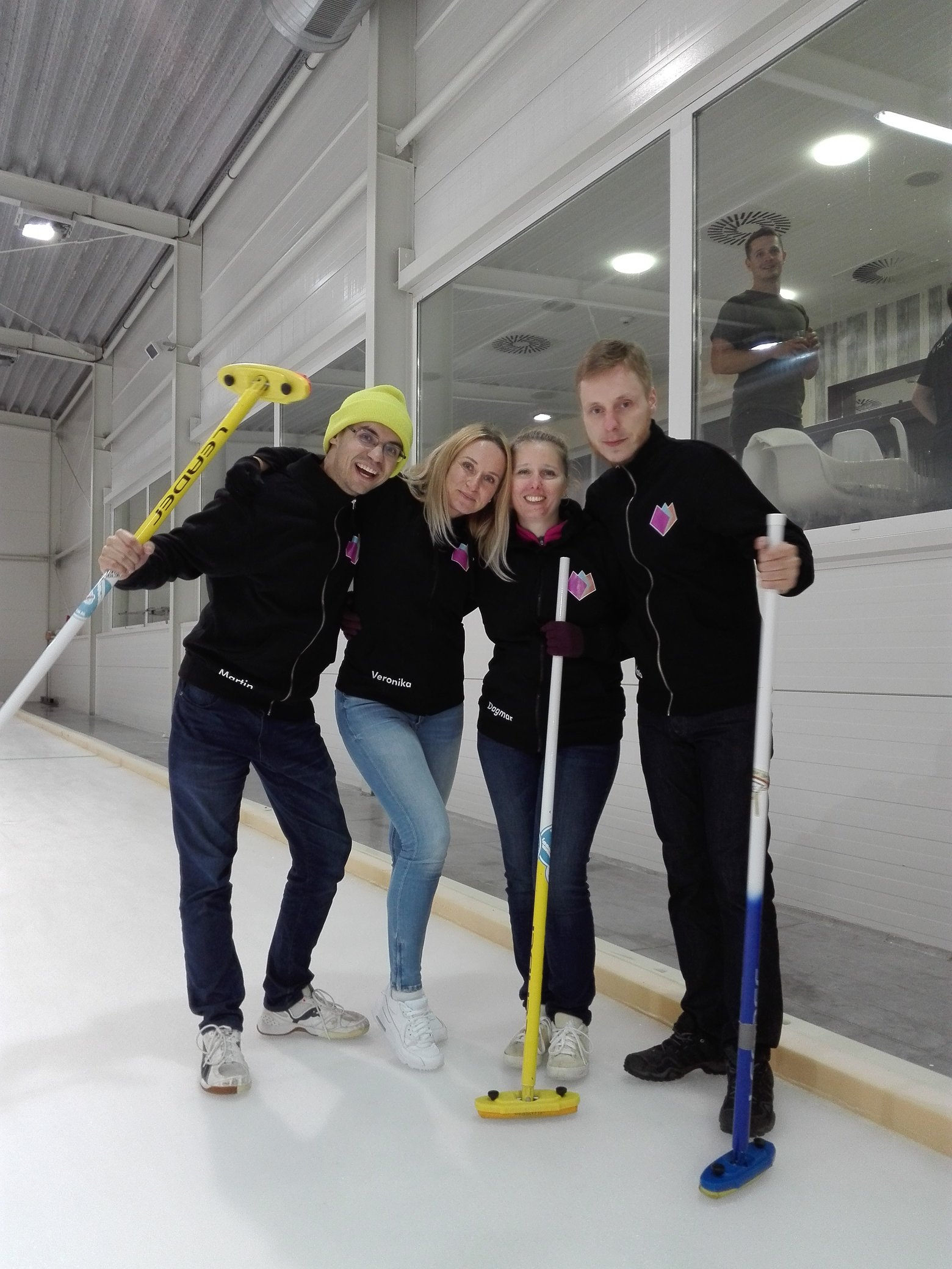 it company teambuilding - curling 2018, tulip